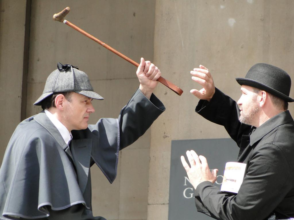 Holmes vs Moriarty