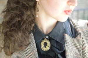 Holmesian brooch. The Baker Street Babes. www.bakerstreetbabes.com